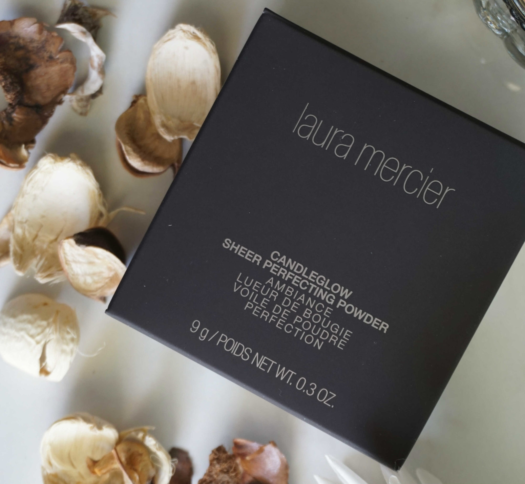 Laura Mercier Candleglow Review: Candle Light Glow In A Finishing Powder?